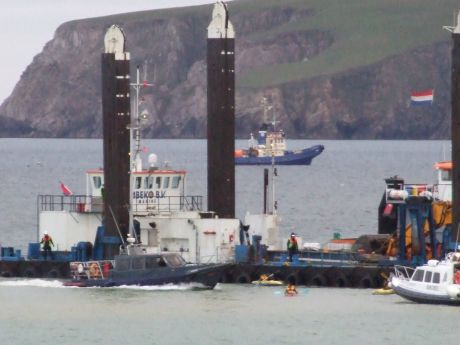 More menacing manoeuvres from both Shell security (IRMS) and 'safety' (Belcross) boats.