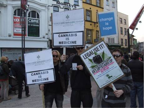 Free the weed! Legalise cannabis!