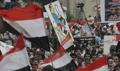 M27 : Tahrir Square Egypt returns with thousands calling for minimum wage & hundreds sleeping over in static protest.