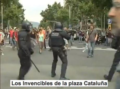 Los Invencibles de la plaza Cataluña (the invincibles of Catalunya) shot and battered, but not standing down