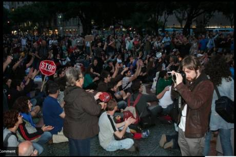 #spanishrevolution square in Barcelona: 1000s gathered last night