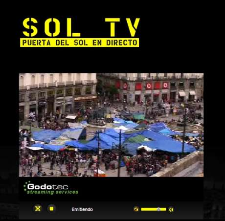 Puerto del sol en directo (sun gate square live) <the revolution is being televised>