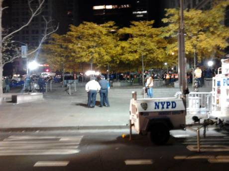 Occupy Wall Street: New York police begin clearing Zuccotti Park